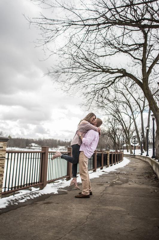 Photo of couple kissing Coe Lake