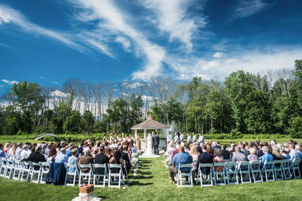 Akron Wedding Photo of a wedding Ceremony at Watersedge Vineyard.