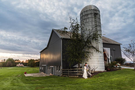 Akron Wedding Photo of a couple at a rustic barn wedding.